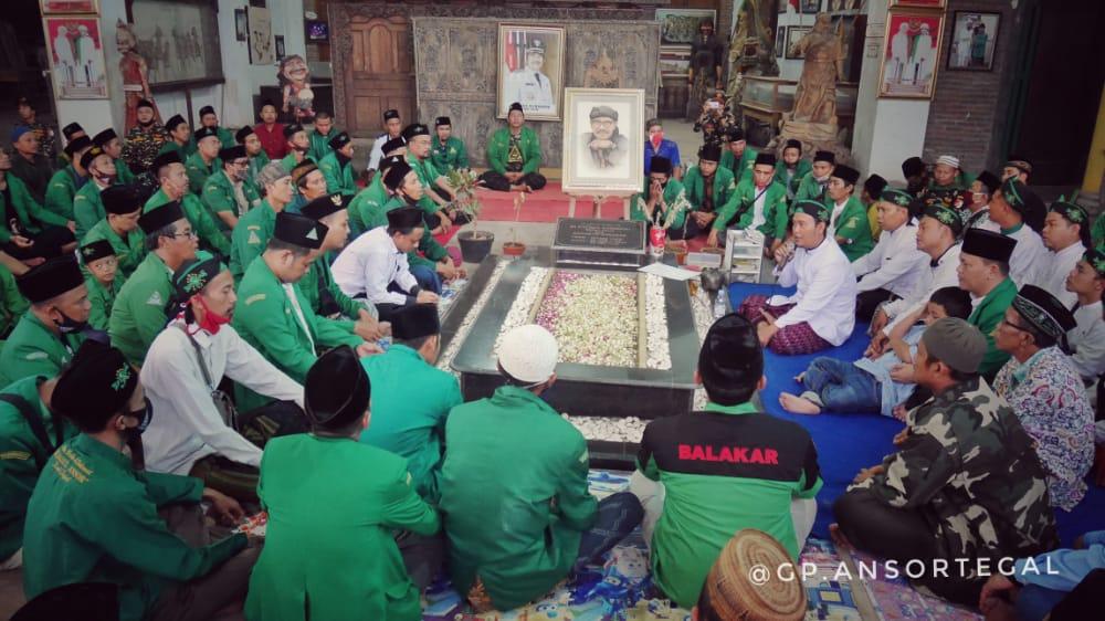 Awali Kegiatan Masa Pandemi, Rijalul Ansor Ziarahi Tokoh NU di Talang, GP Ansor