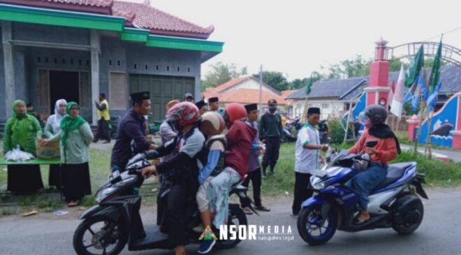 Peringati Maulid dan Hari Santri, Ansor Slaranglor Bagikan Ratusan Takjil, GP Ansor