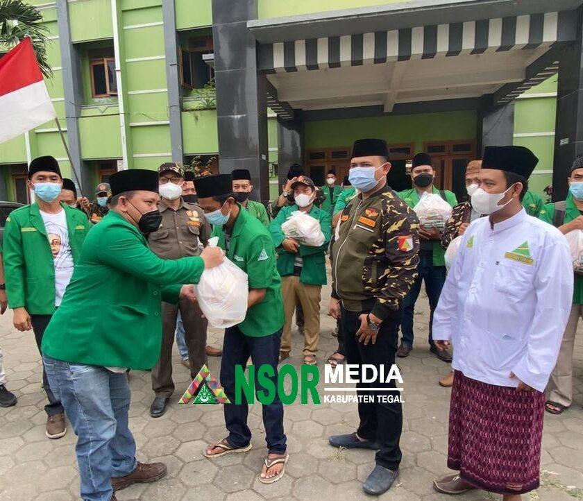 GP Ansor Salurkan 3000 Paket Sembako untuk Kader dan Masyarakat Terdampak PPKM, GP Ansor
